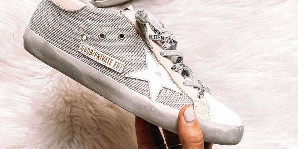 Golden Goose Sneakers its decidedly
