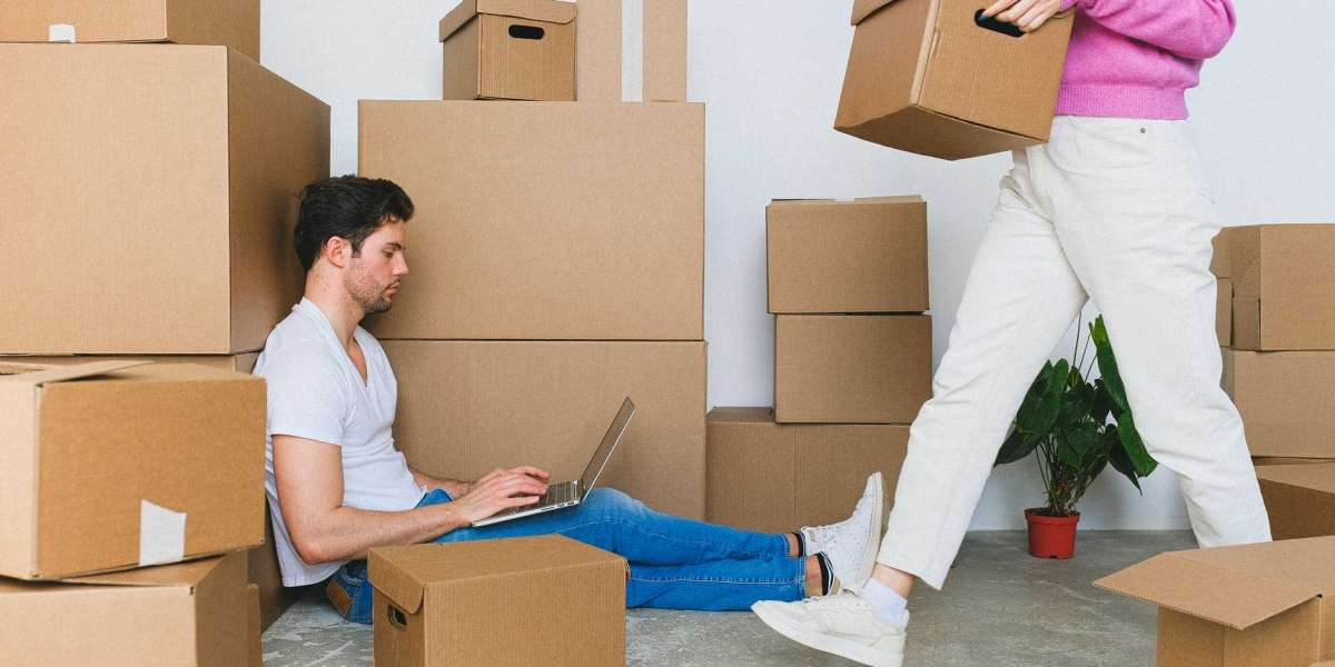 Pros And Cons Of Moving In The Off-Season