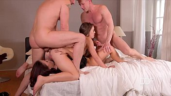 DDF Network - 2 Bros fuck a couple of super sexy Hoes - XVIDEOS.COM